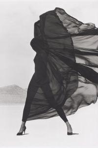 herb-ritts-versace-dress-el-mirage-1990