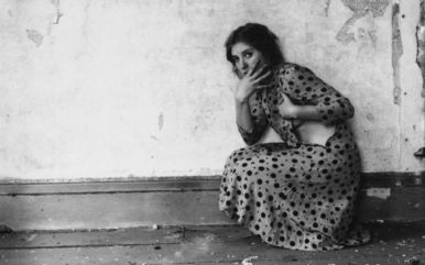 francesca-woodmans-ghostly-seductive-self-portraits1